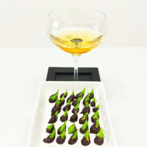 smrekovi vršički v čokoladi in desertno vino Jere