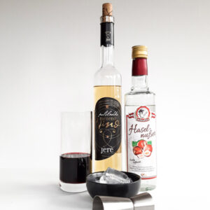 Valentines day cocktail with mead Jere