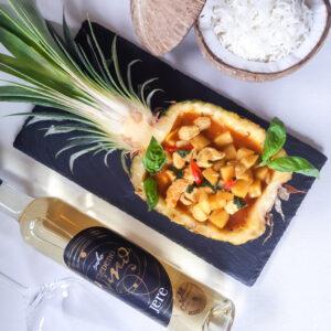 tropski piščančji curry z medenim vinom Jere